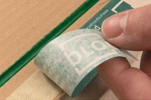 Versandverpackung Universal - Selbstklebestreifen - Sicher und umweltfreundlich